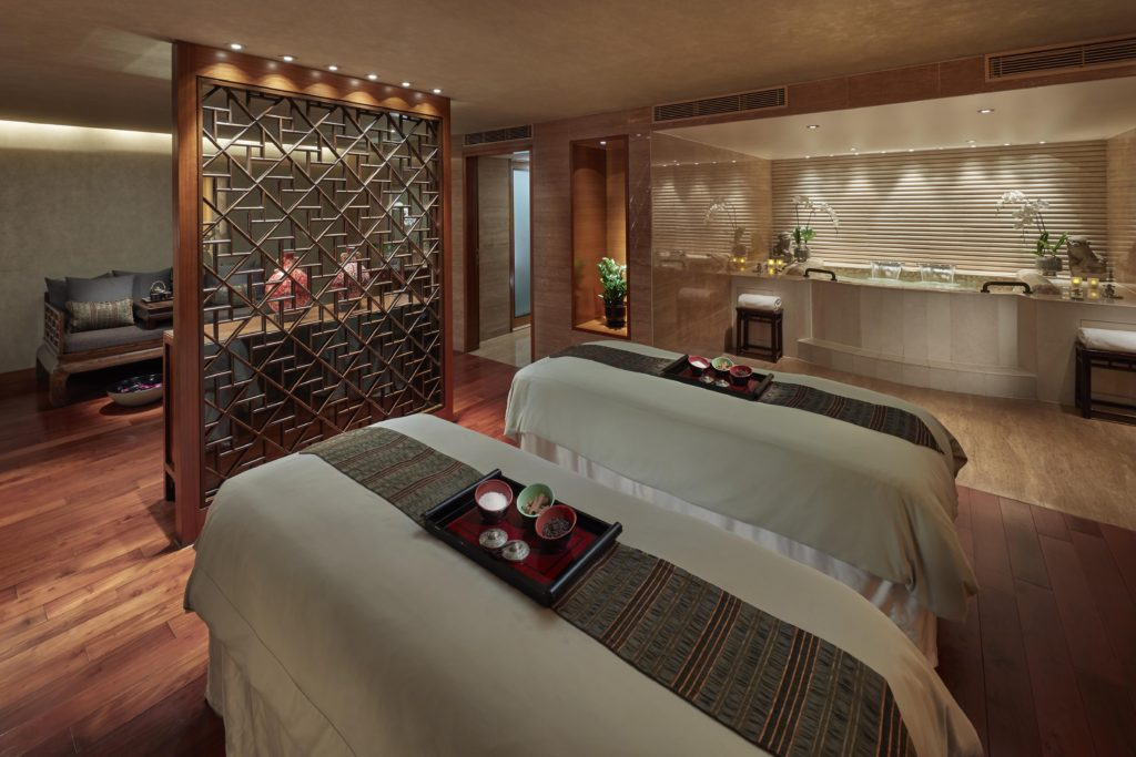 Mandarin-Oriental-Hong-Kong-Hotel-Spa-Kukui-Suite.jpg